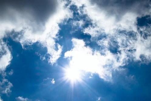 Proporciona protección contra los rayos UV.