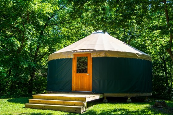 Set a yurt up