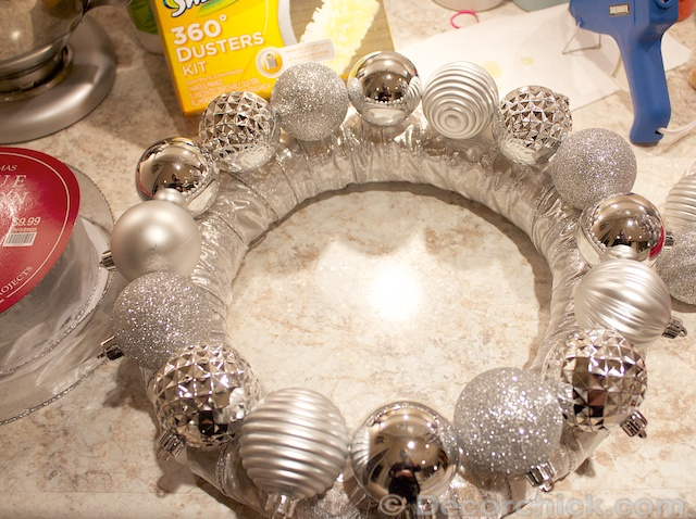 How-To-Glue-Ornaments