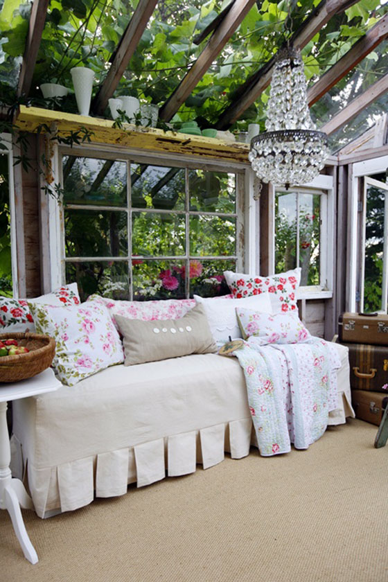 Inside Shabby Chic And The Rustic Farmhouse Decor