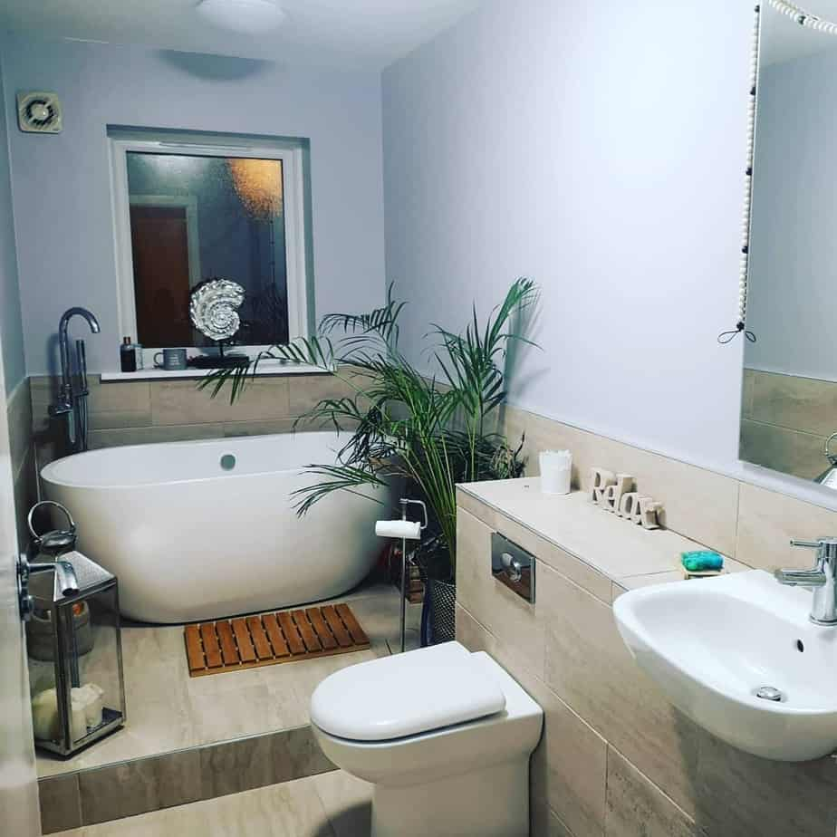 Small Bathroom Trends 2020: Photos And Videos Of Small ... on Small Bathroom Ideas With Tub id=47333