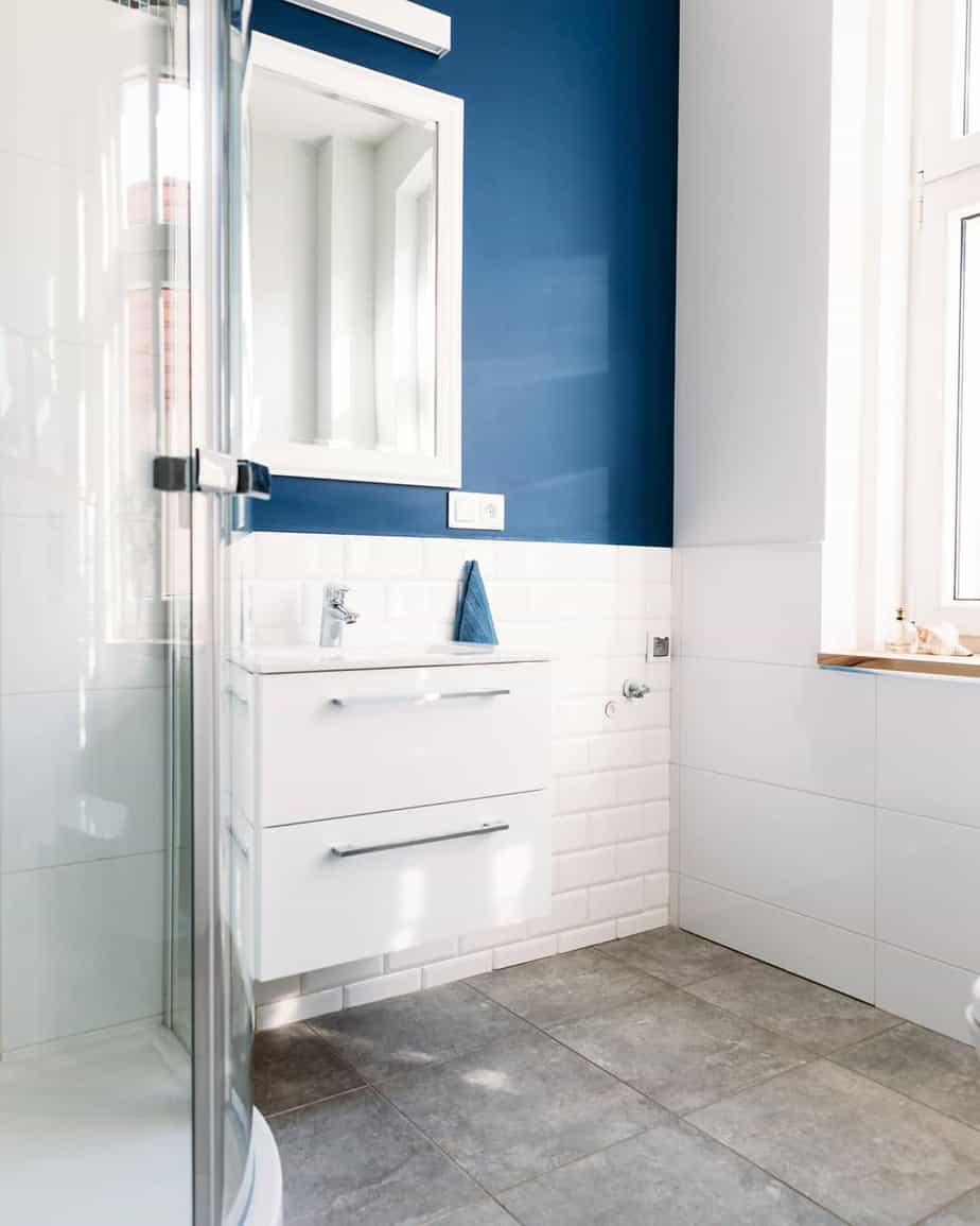 Small Bathroom Trends 2020: Photos And Videos Of Small ... on Small Bathroom Ideas 2020 id=29209