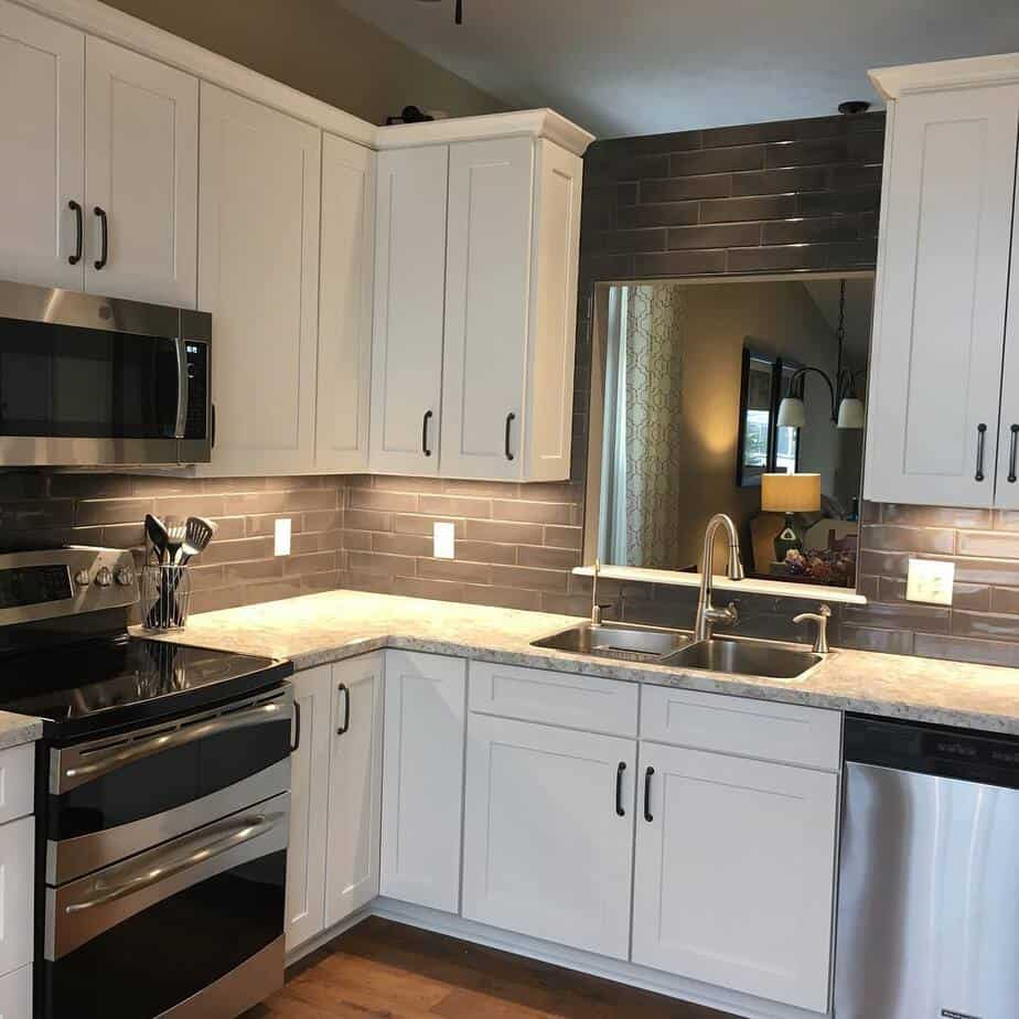 8 Best Small Kitchen Ideas 2020: Photos and Videos of ... on Remodel Small Kitchen Ideas  id=97865