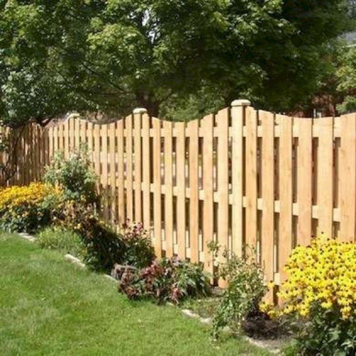 DIY Wooden Garden Fence Ideas