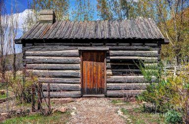 Rustic Cottage Log Cabin