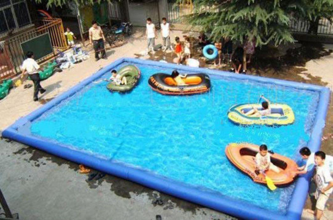 Square plastic stock tank pool decoredo for Plastik swimmingpool