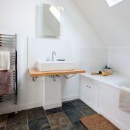 Contemporary White Bathroom Idea