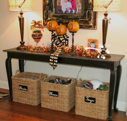 Entryway Table Decor Ideas for Fall 6