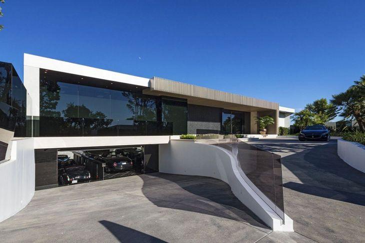 Modern House Plan with Underground Garages