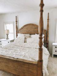 35 Stunning Magnolia Homes Bedroom Design Ideas For Comfortable Sleep 009