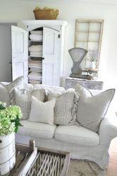 35 Stunning Magnolia Homes Bedroom Design Ideas For Comfortable Sleep 013