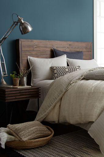 35 Stunning Magnolia Homes Bedroom Design Ideas For Comfortable Sleep 017