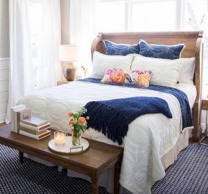 35 Stunning Magnolia Homes Bedroom Design Ideas For Comfortable Sleep 027