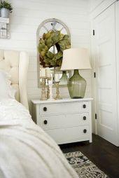 35 Stunning Magnolia Homes Bedroom Design Ideas For Comfortable Sleep 029