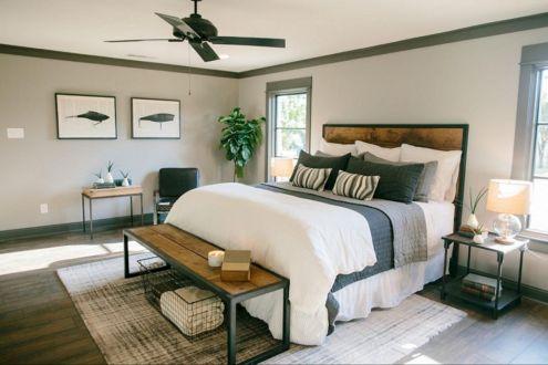 35 Stunning Magnolia Homes Bedroom Design Ideas For Comfortable Sleep 033