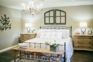 35 Stunning Magnolia Homes Bedroom Design Ideas For Comfortable Sleep 048