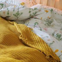 Incredible Yellow Aesthetic Bedroom Decorating Ideas 15