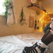 Incredible Yellow Aesthetic Bedroom Decorating Ideas 31