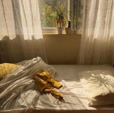 Incredible Yellow Aesthetic Bedroom Decorating Ideas 9