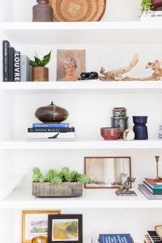 Inspiration Styling Bookshelf Ideas 19