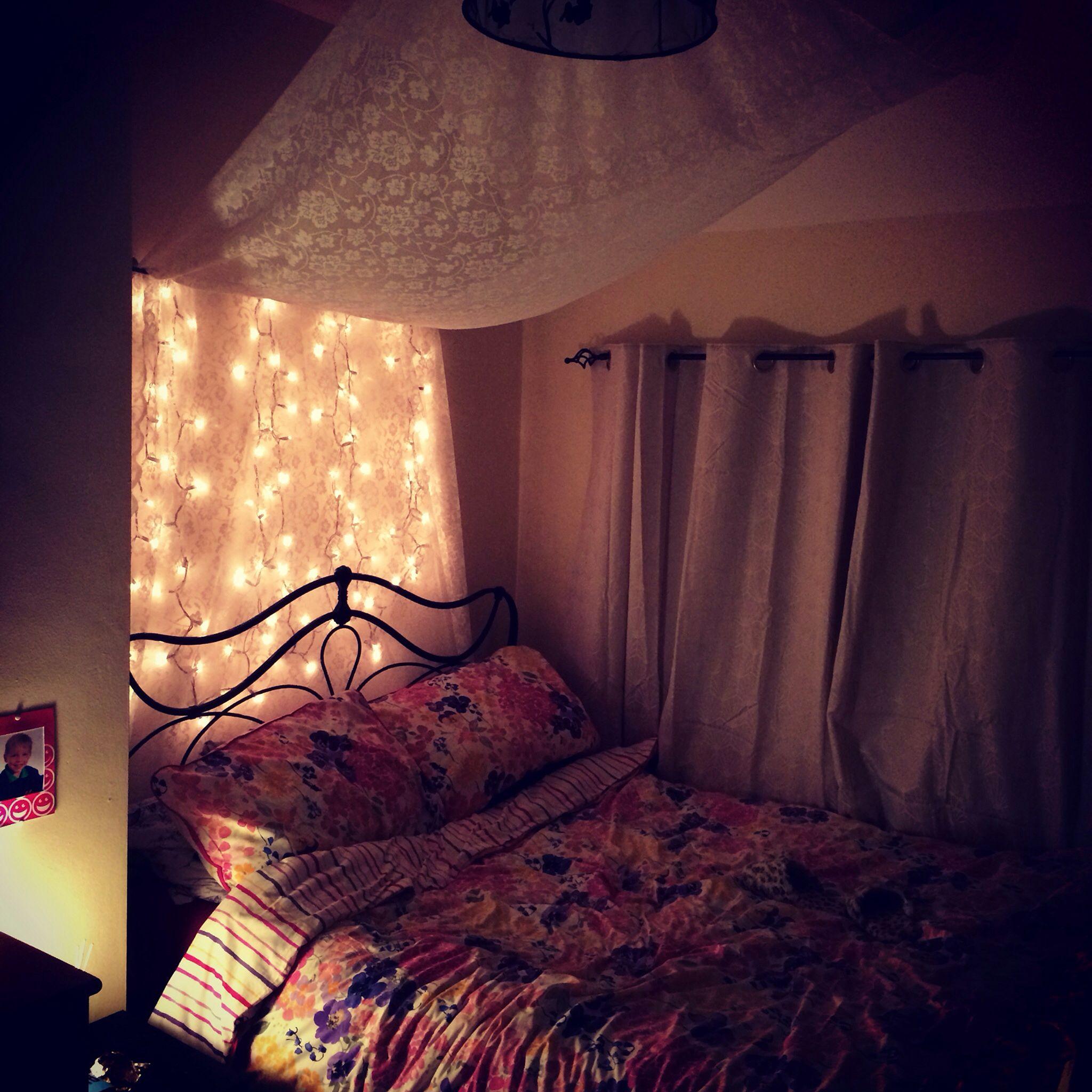 Romantic Bedroom Lighting: Bedroom With Fairy Lights Ideas