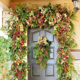 Front Door Christmas Garland Ideas