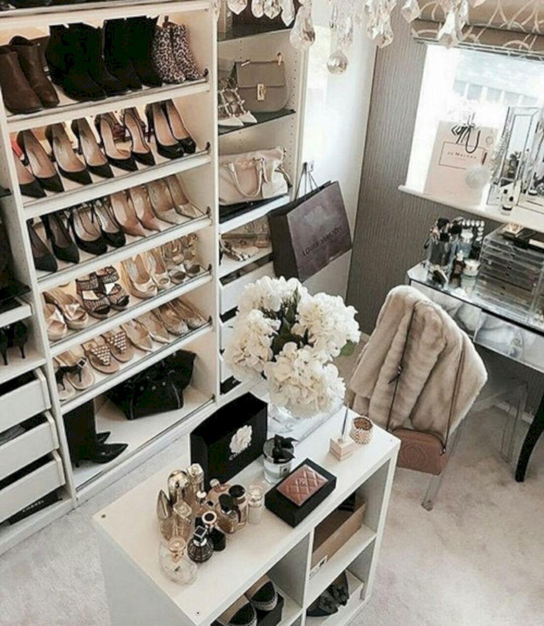 Glam Room Decoration Ideas 27