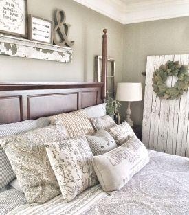 Rustic Farmhouse Style Master Bedroom Ideas 22