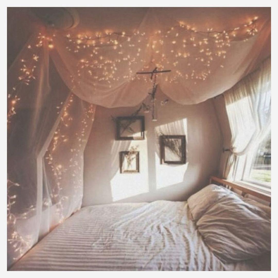 35 Awesome Romantic Bedroom With Fairy Light Ideas Decoredo