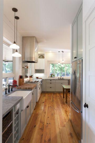 Farmhouse Kitchen Cabinet Design