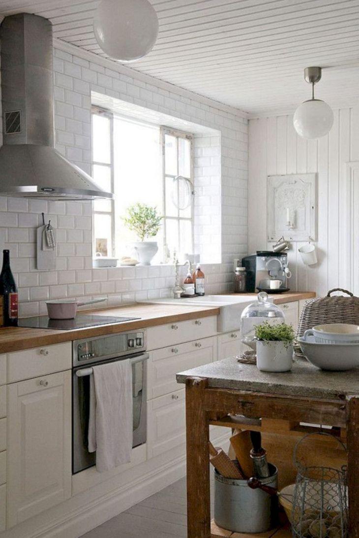 Farmhouse Kitchen Design Idea