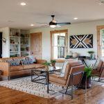 35 Beautiful Living Room Wall Decor With Clocks Ideas