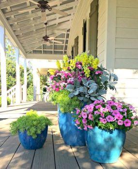 Large Flower Pots and Planters Ideas