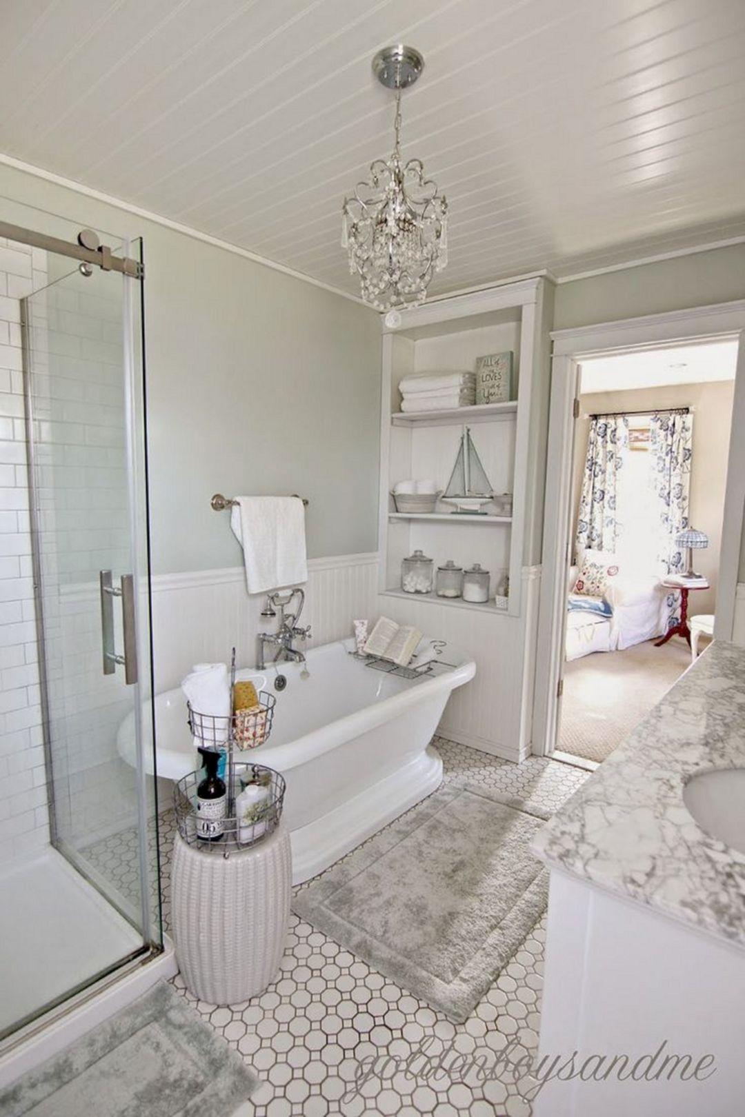 Beautiful Small Master Bathroom Design 22