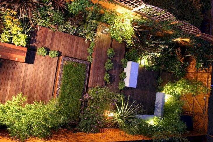 Urban Backyard Design Ideas 9