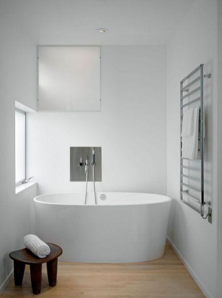 Minimalist Bathroom Design 9