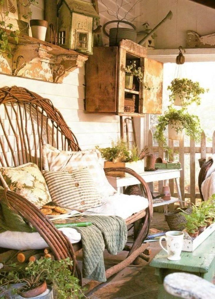 Summer Front Porch Decoration 10