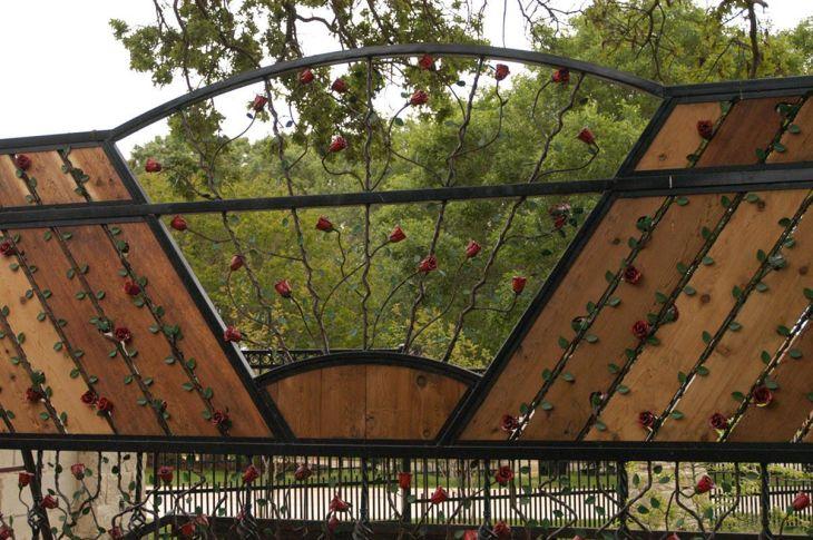 Black Garden Fences Design 13
