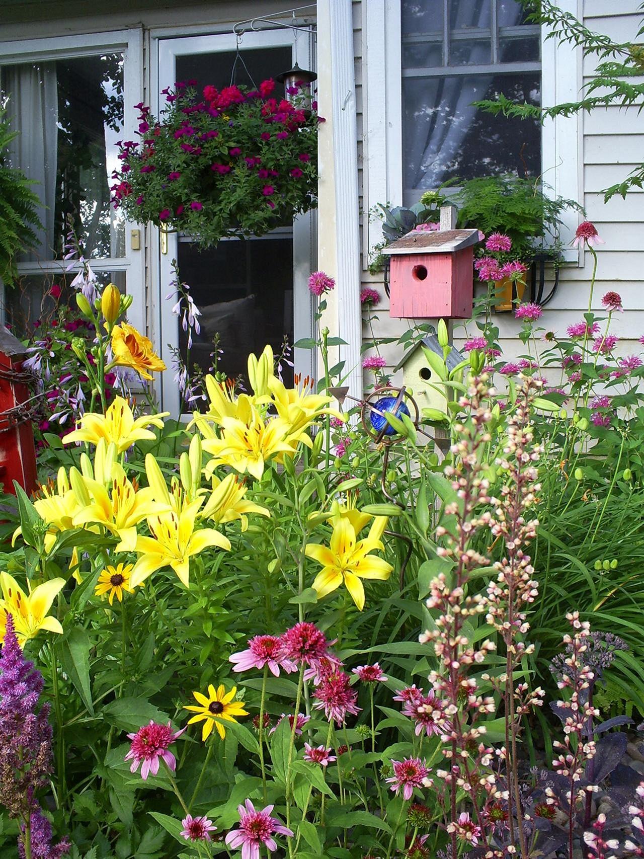 Front Yard Flower Garden Design 4