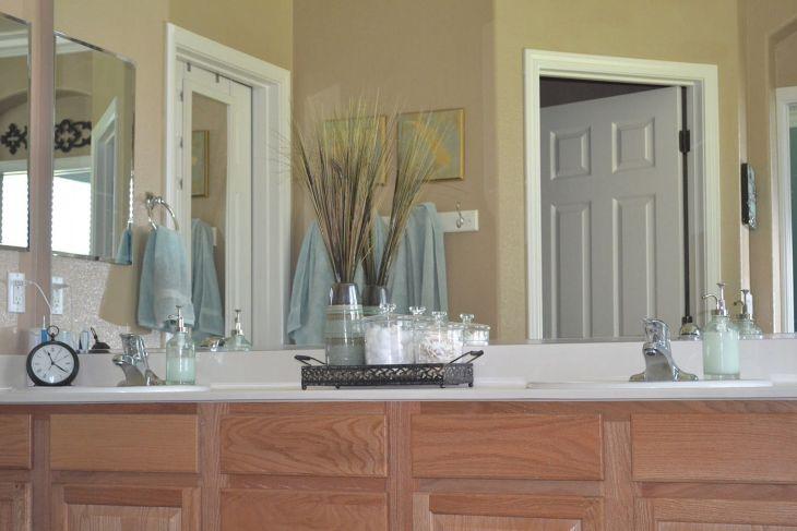 Master Bathroom Design and Decor 19