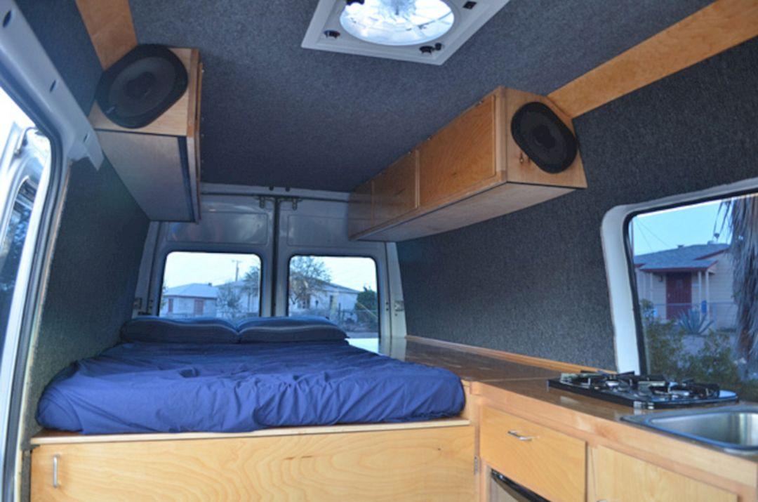 RV & Camper Van Interior Design 320