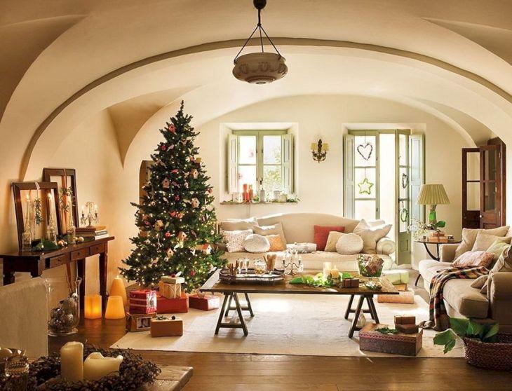 Living Room Christmas Decor 101