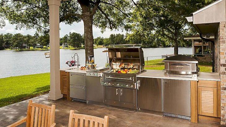 Outdoor Kitchen Beach Style