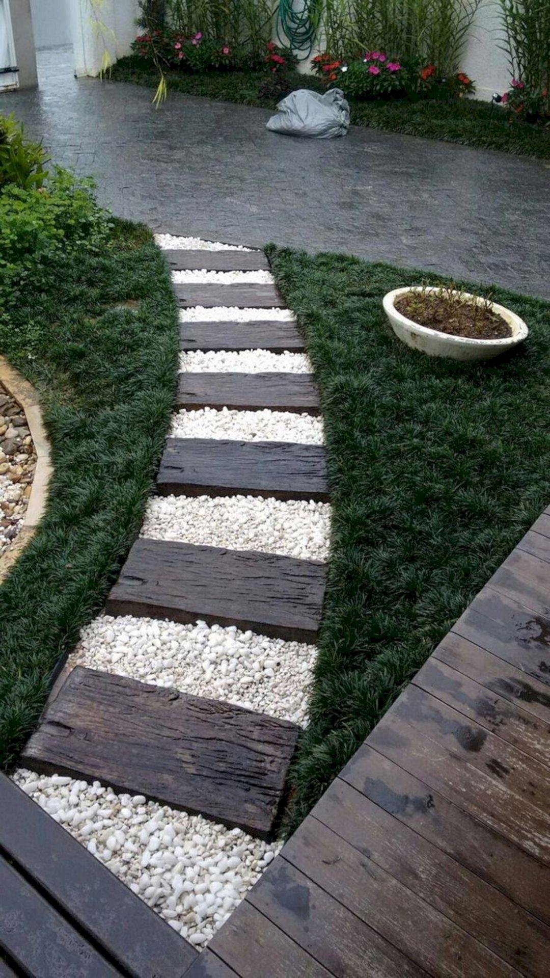 Stunning Front Yard Garden Pathway