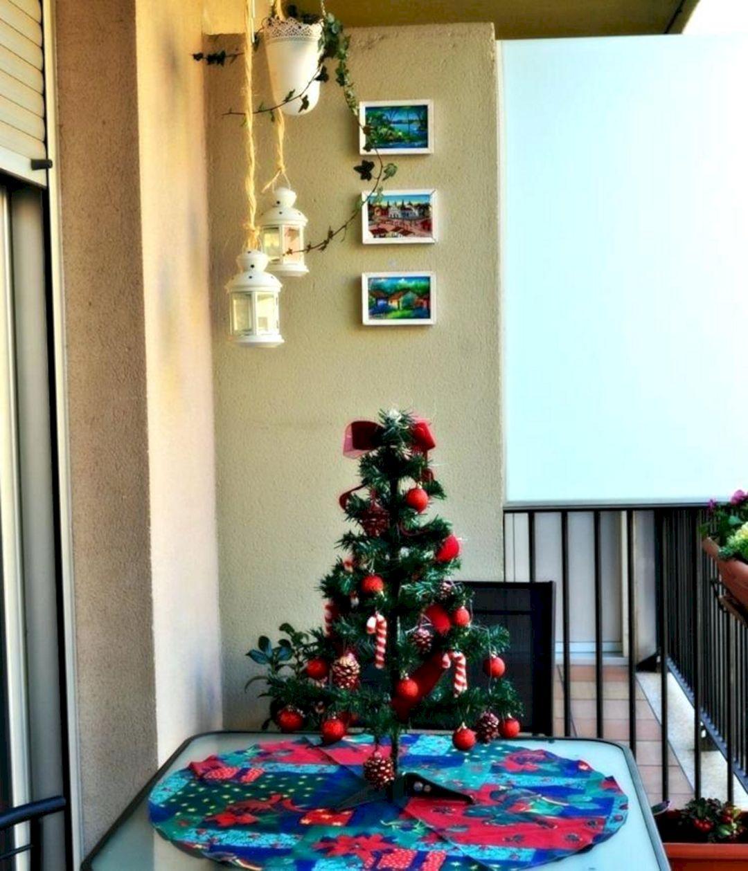 Beautiful Christmas balcony Ideas