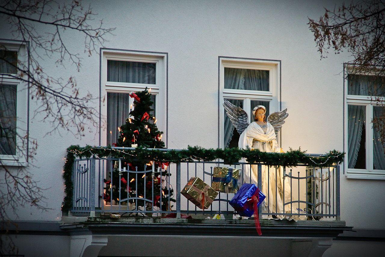Christmas Balcony Decoration