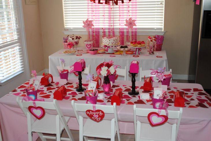 Valentine Day Table Decor