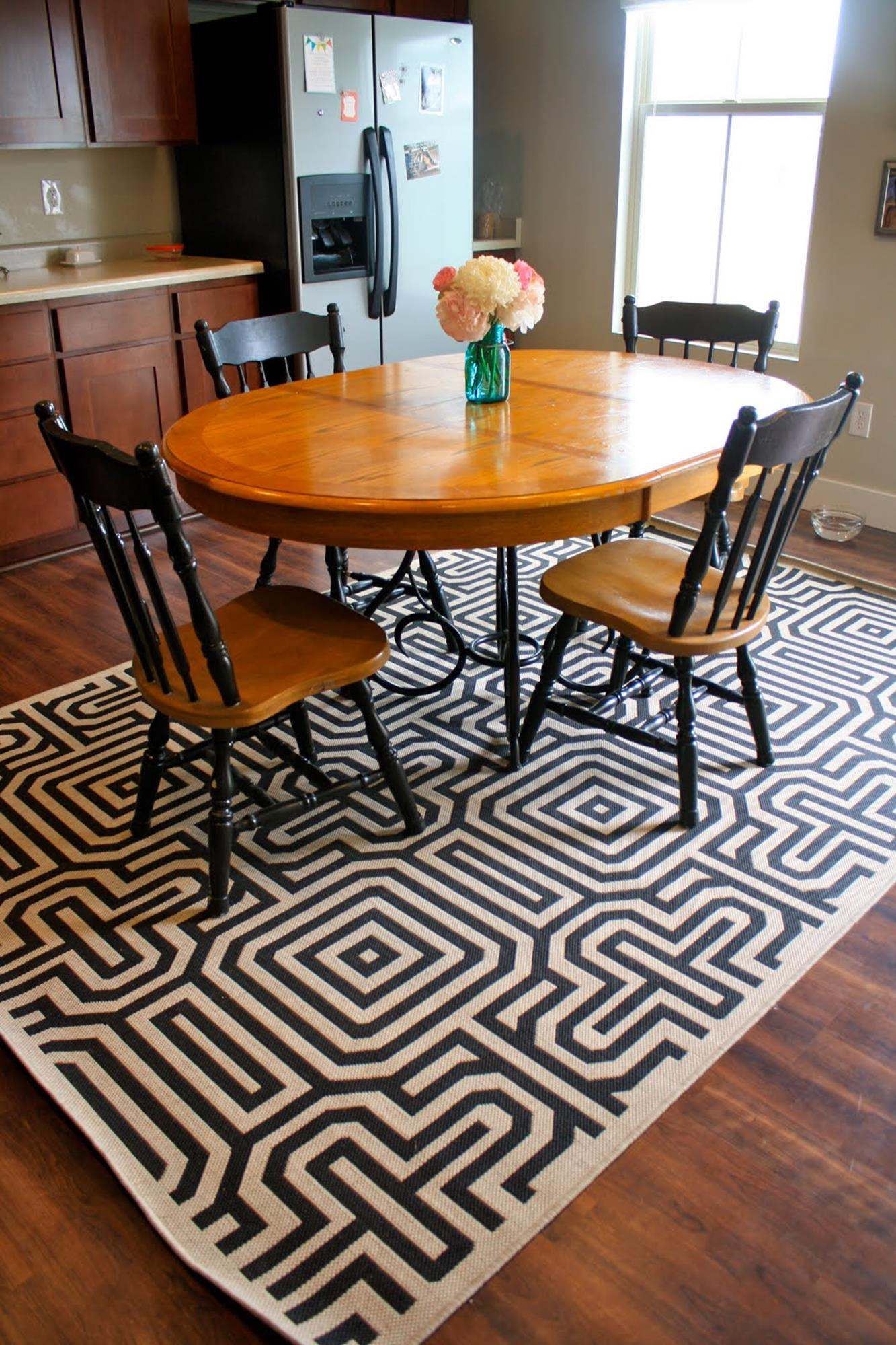 Best Cheap Rugs for Under Kitchen Table 11