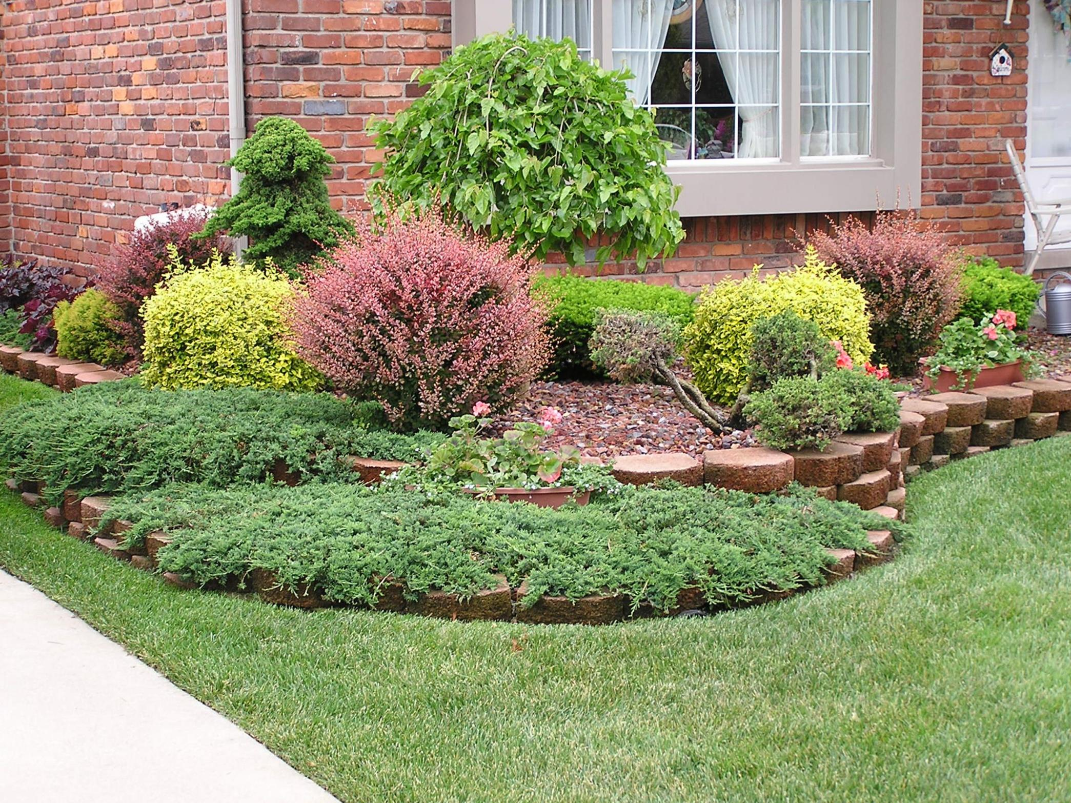 Front Yard Landscaping With Rocks 27