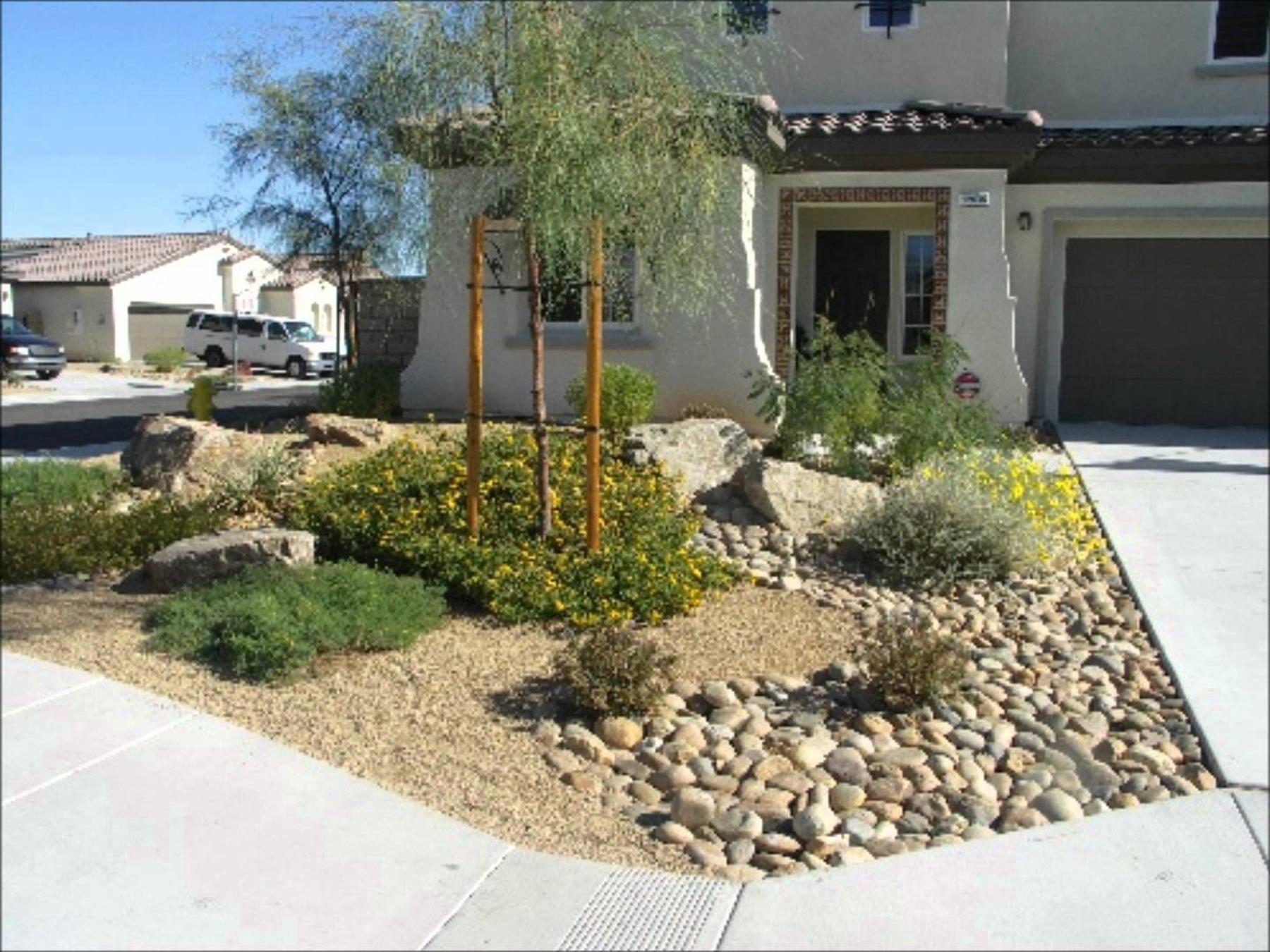 Front Yard Landscaping With Rocks 32